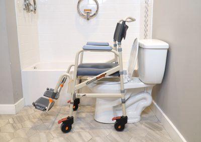 Eco Traveller SB7e over toilet