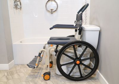 Roll-InBuddy Solo SB6w chair over toilet